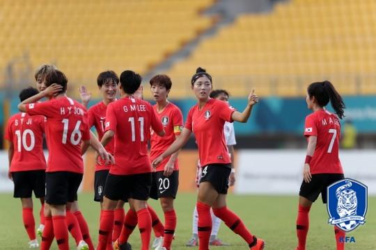'지소연-이금민 골' 윤덕여호, 대만에 2-0 리드(전반 종료)