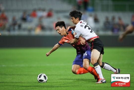 '헛심공방' 서울과 강원, 득점 없이 0-0 무승부