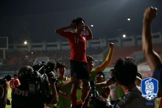 '이승우+황희찬 골' 한국, 일본 2-1로 꺾고 AG 우승...'통산 5회+2연패'