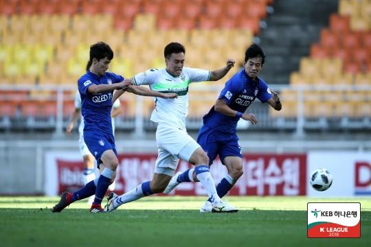'ACL 리턴매치' 수원과 전북, 혈투 끝 0-0 무승부