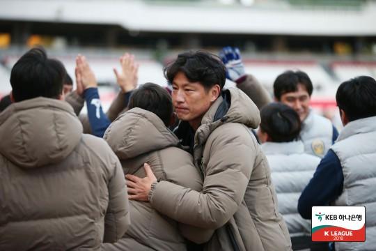 """박동혁 감독의 호소, """"우승까지 한 팀을 없애야 하는가?"""""""