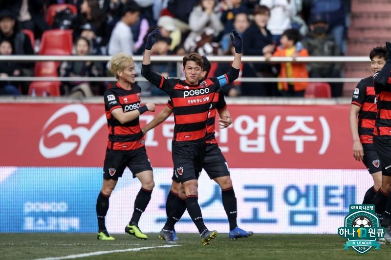 '환상 칩슛' 김승대, 라인브레이커가 돌아왔다