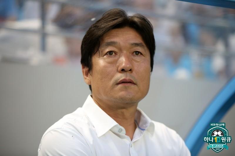 """이임생 감독, '사리치 대체자' 안토니스에 """"더 많은 활약 기대한다"""""""