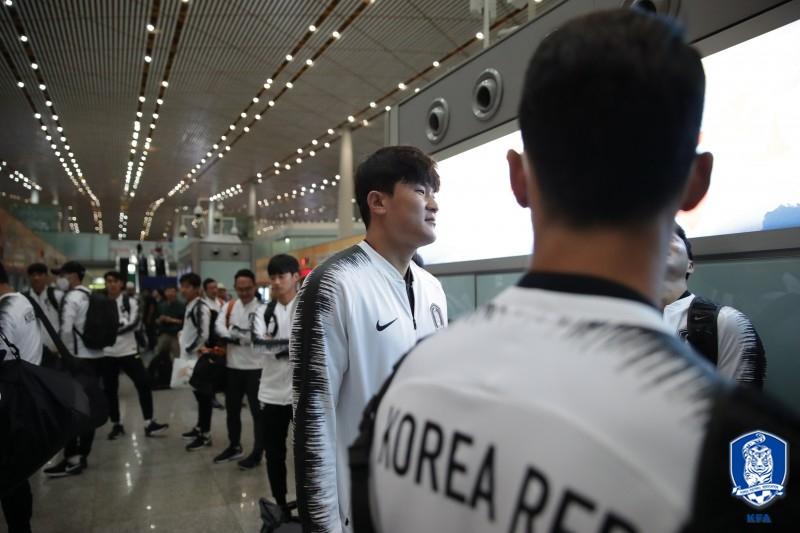 스마트폰마저 북한 반입 금지...'오히려 잘 됐다'는 벤투호