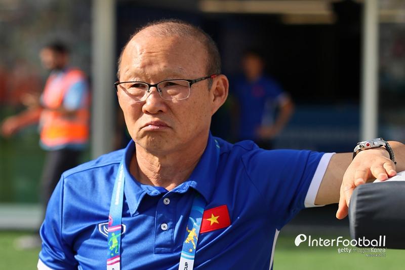 '우승 보인다!' 박항서의 베트남, 캄보디아 4-0 완파하고 결승행