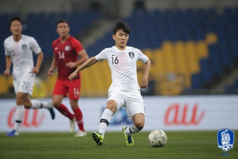 황인범의 '절묘한 FK 한 방'...벤투호, 홍콩에 1-0리드 (전반 종료)