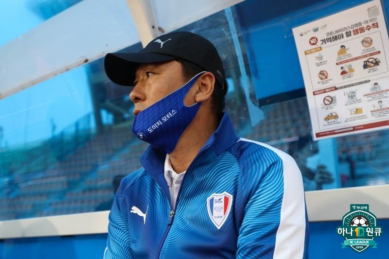 """'4경기 3골' 이임생 감독, """"골 결정력 부족, 앞으로의 과제"""""""