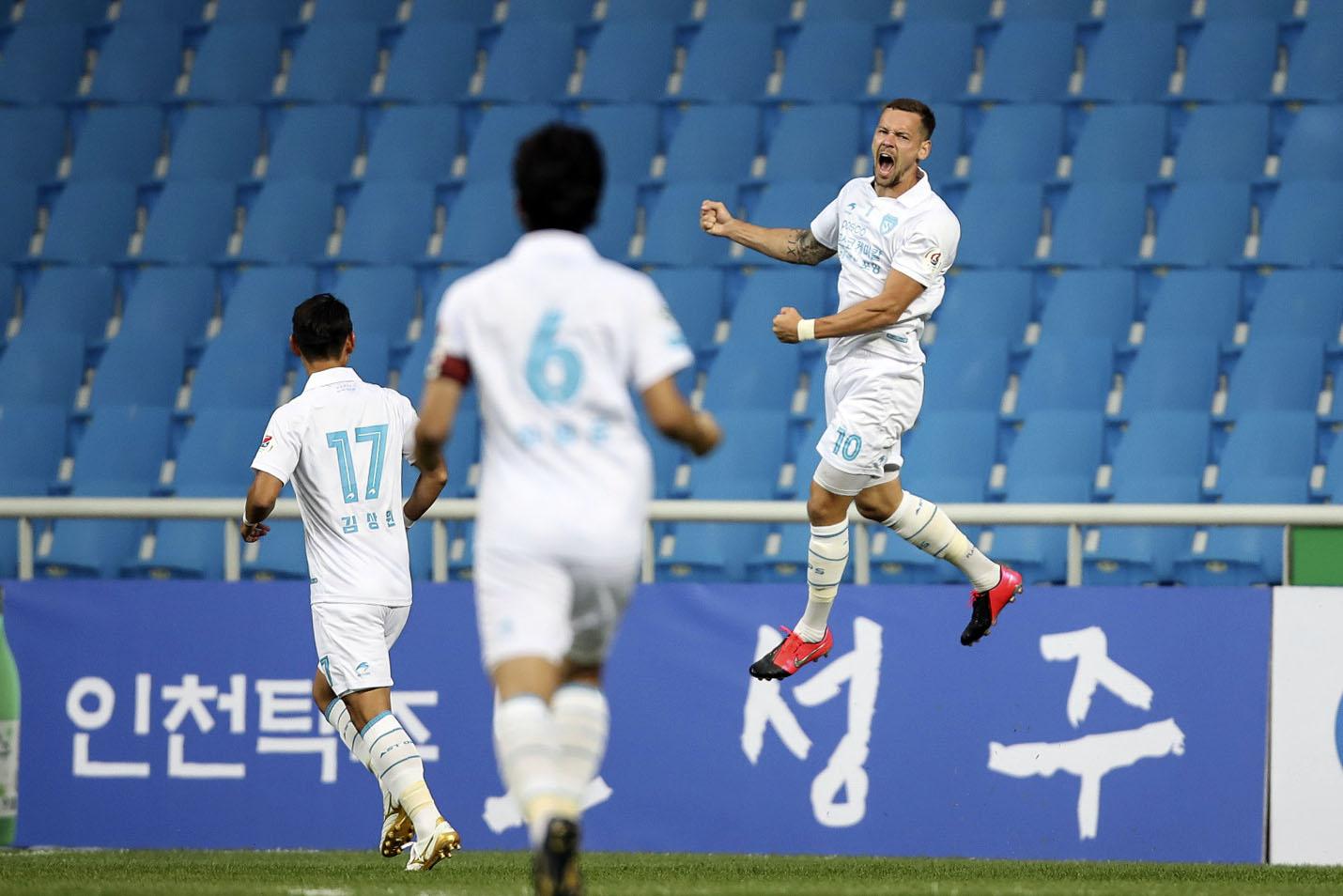 '2경기 연속골' 포항 일류첸코, K리그1 4라운드 MVP...베스트팀도 포항